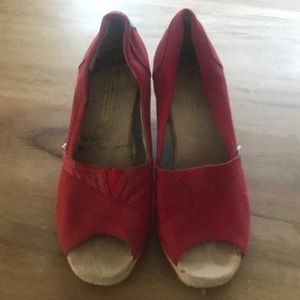 Like new toms wedge shoes